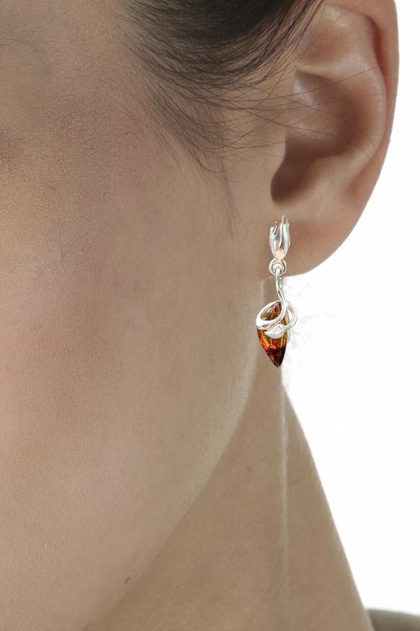 petite boucles d'oreilles en ambre et argent en pierre ambre naturel